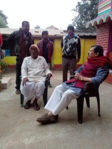 পাড়ায় পাড়ায়, গ্রামের মেলায় জন সংযোগে গড়বেতার বেতাজ বাদশা! সুশান্ত এসেছে গো! বলেই প্রনাম করার হিড়িক 5