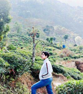 জান বাজারের 'রাণী রাসমণি' ছুটির মেজাজে দার্জিলিংয়ে! মুহূর্তে ভাইরাল একের পর এক পোজ 3